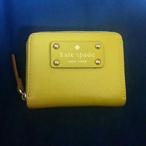 🍋 Kate Spade Wallet